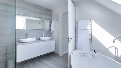 A bathroom designed and fitted by us.